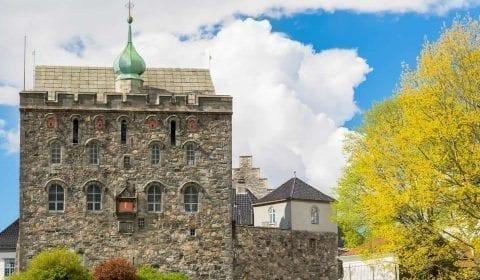 L'edificio rinascimentale della Torre Rosenkrantz, Håkonshallen, e la fortezza medievale di Bergenhus, a Bergen, Norvegia